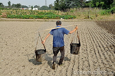pengzhou-china-farmer-water-pails-16618724